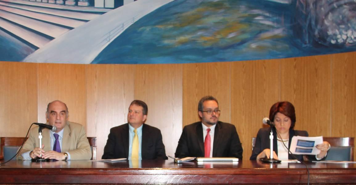 Luis F. P. Leiva Fernández, Julio Fontanet-Maldonado, Gerardo Bosques Hernández y Marta Figueroa Torres