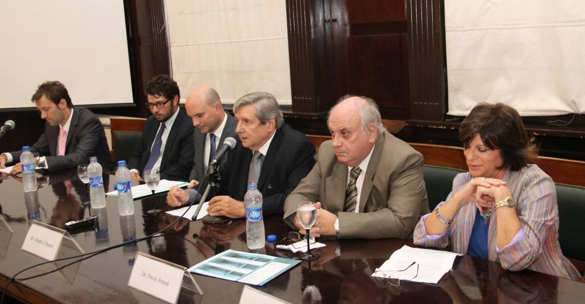 Augusto Mariño Galasso, Damián R. Pizarro, Sebastián Picasso, Alberto J. Bueres, Oscar Ameal y Norma Silvestre