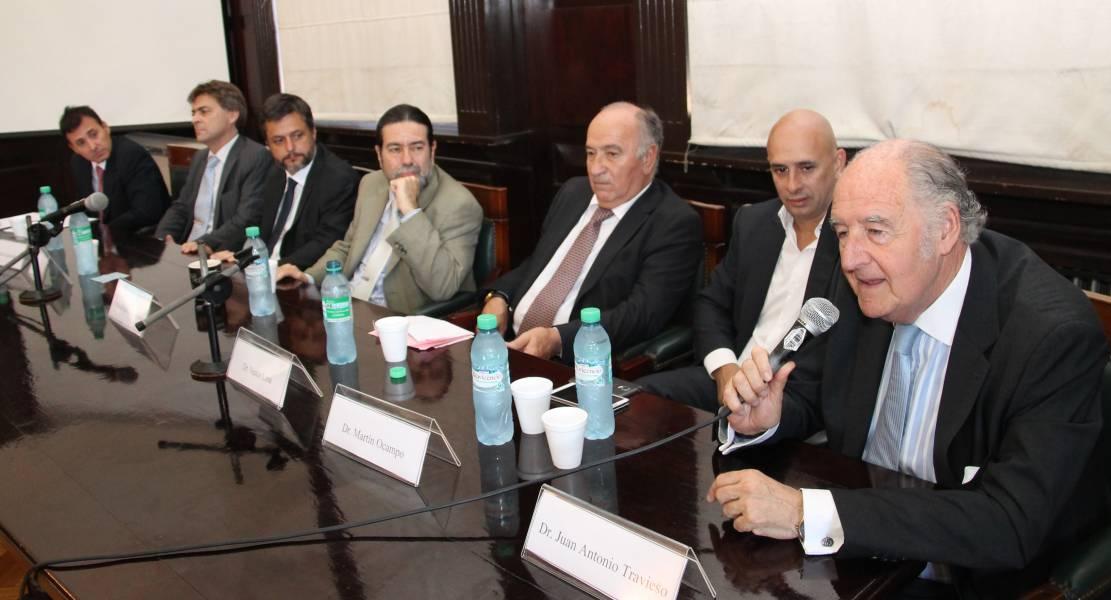 Patricio A. Maraniello, Flavio González, Gonzalo Alvarez, Ricardo Rabinovich-Berkman, Néstor O. Losa, Martín Ocampo y Juan Antonio Travieso