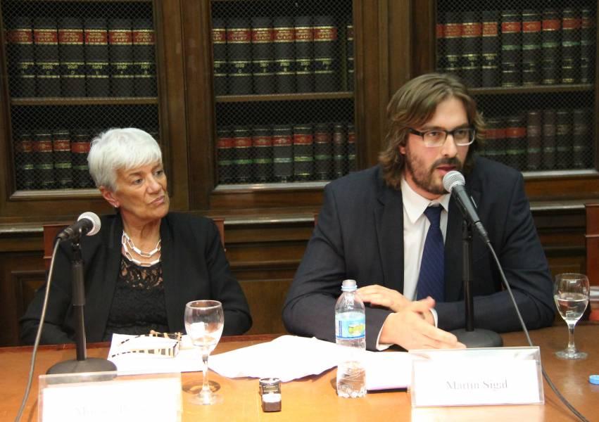 La Decana Mónica Pinto y Martín Sigal, director del Centro de Derechos Humanos de la Facultad.