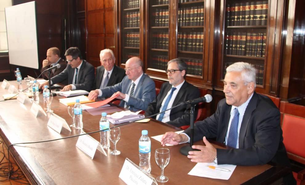Ezequiel Spector, Juan Pablo Alonso, Eugenio Bulygin, Robert Alexy, Hugo Zuleta y Enrique Zuleta Puceiro