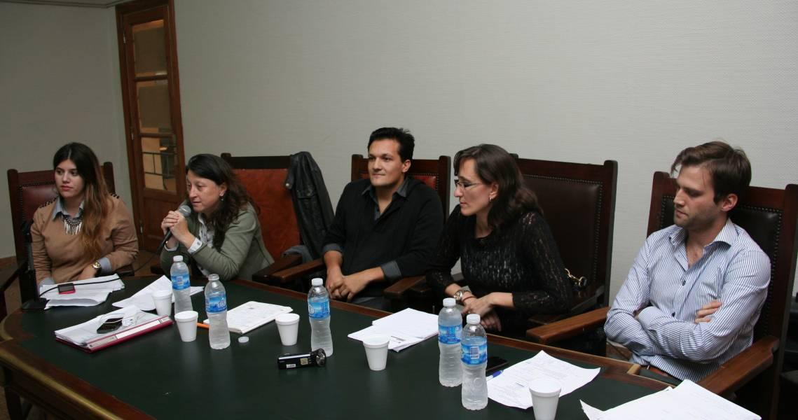 Camila Petrone, Paula Litvachky, Lucas Arrimada, Valeria Milanes y Renzo Lavin