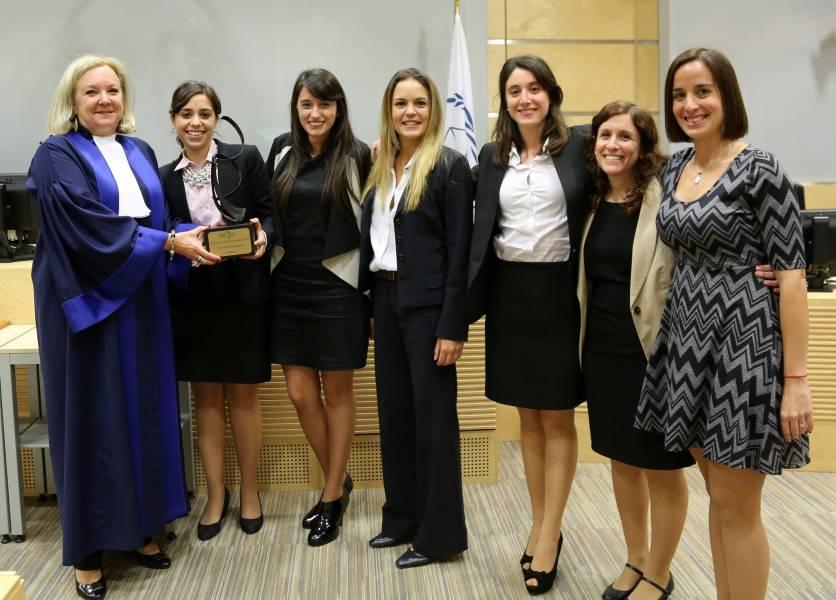 Jueza Sylvia Steiner, Agustina Becerra Vázquez, Karen Helmich, Mariana Gutiérrez, Rosario Alessandretti, Natalia Luterstein y Dalila Seoane