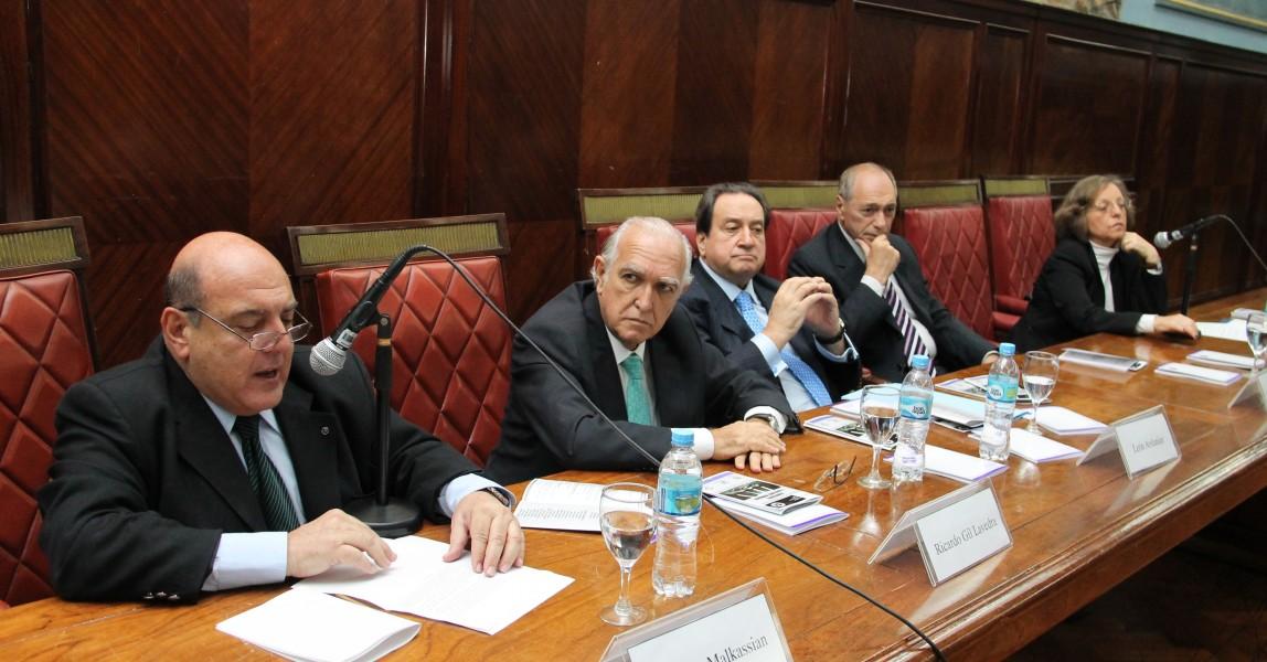 Roberto Malkassian, Ricardo Gil Lavedra, León C. Arslanian, E. Raúl Zaffaroni y Nélida Boulgourdjian