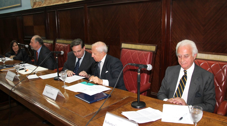 Elsa Llenderrozas, Ricardo Lagorio, Patricio Mateo Carmody, Rogelio Pfirter y Roberto García Moritán
