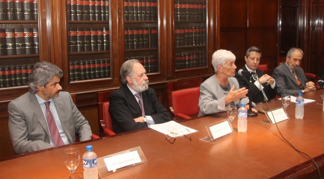 Leandro Vergara, Edgardo A. Donna, Mónica Pinto, Mario Villar y Edmundo Hendler