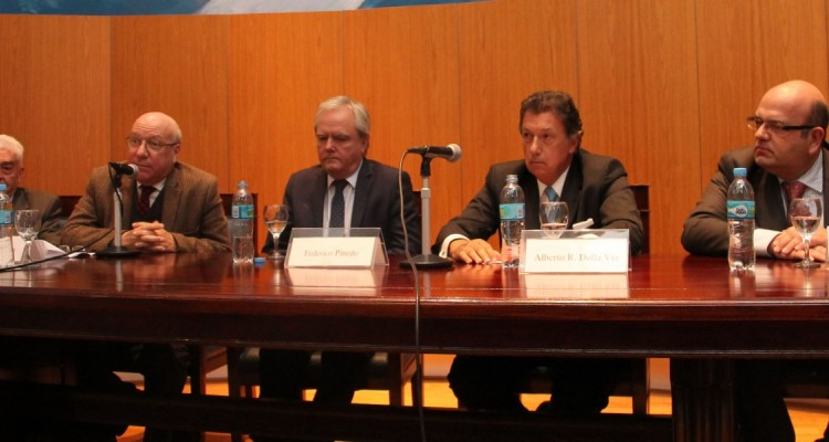 Hipólito Solari Yrigoyen, Mario Justo López, Federico Pinedo, Alberto R. Dalla Via y Diego Barovero