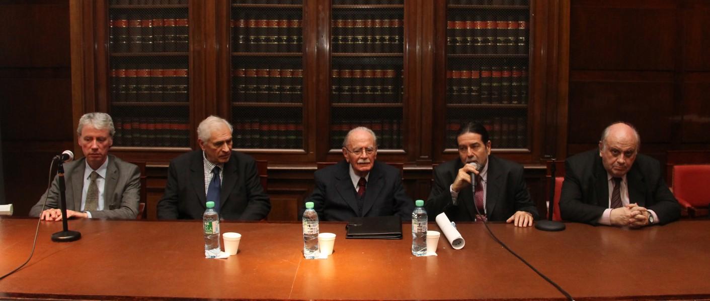 Manuel Cuiñas, Carlos Ghersi, Carlos Fernández Sessarego, Ricardo Rabinovich-Berkman y Oscar J. Ameal