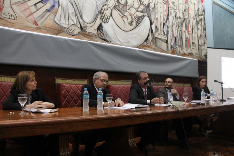 Ángela Ledesma, Daniel Obligado, Eugenio Sarrabayrouse, Adrián Martín y Cecilia Incardona