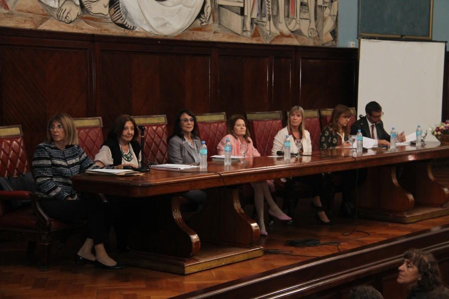 María Teresa San Martín, Susana Cures, Gladys Álvarez, Elena Highton de Nolasco, Silvia Nonna, Raquel Munt y Gonzalo Alvarez