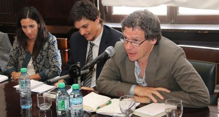 Inés Jaureguiberry, Leonardo Filippini y Roberto Gargarella