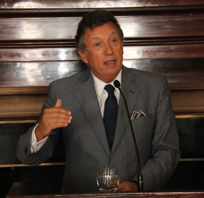 Alberto R. Dalla Via