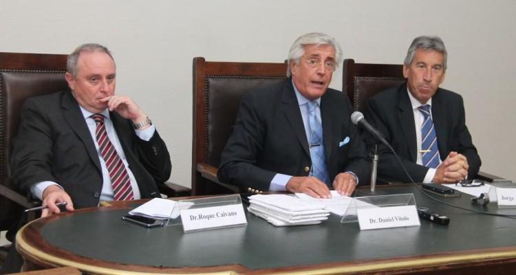 Roque Caivano, Daniel R. Vítolo y Jorge A. Rojas