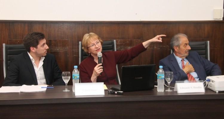 Agustín Hugo Arias Deceglie, Valerie Hans y Edmundo S. Hendler