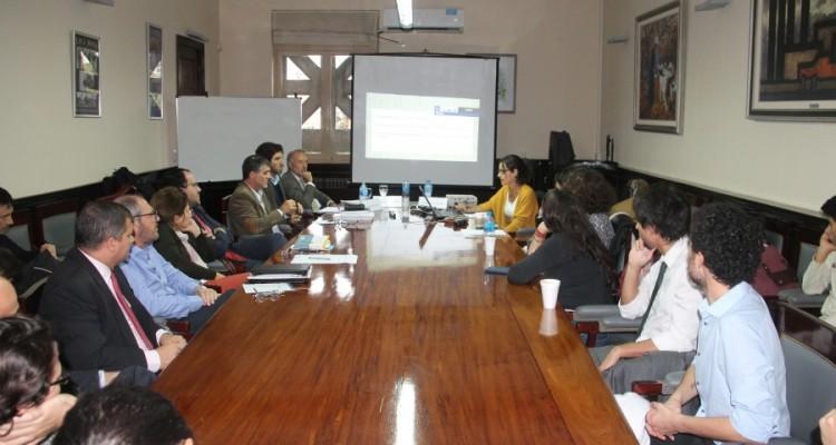 Mesa redonda sobre enseñanza del Derecho Penal