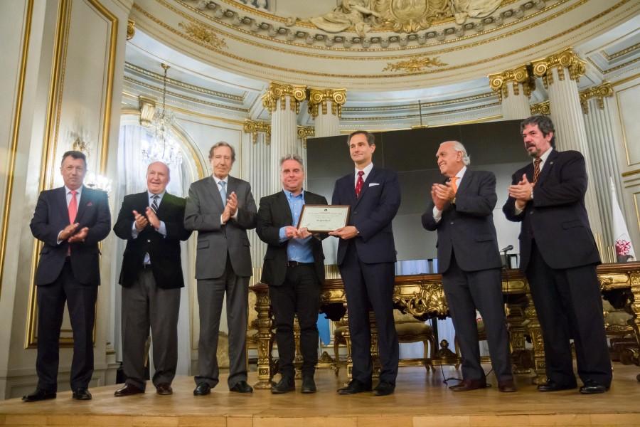 El profesor Pablo Luis Manili fue distinguido por la Legislatura porteña