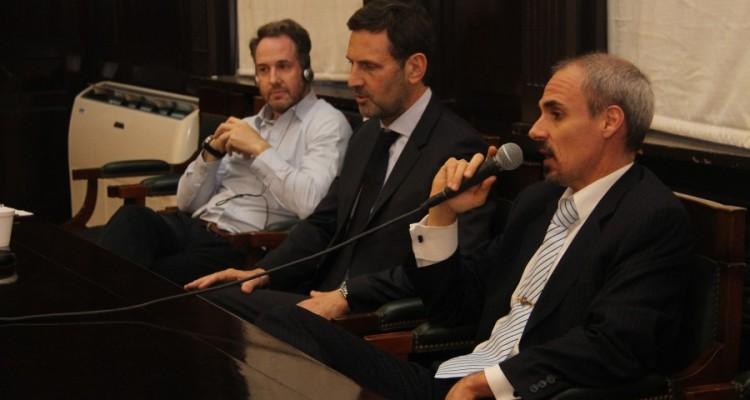 David Lewis, Juan Félix Marteau y Nicolás Negri
