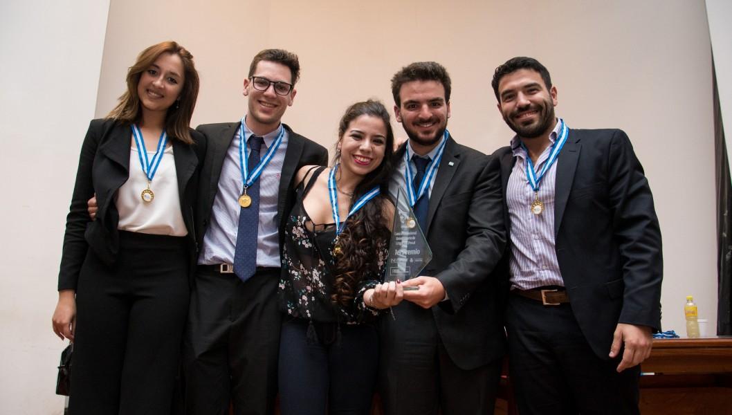 Florencia A. Langone Jerez, Julián Alfie, Noelia Viegas, Felipe Salvarezza y Mauro Gabriel Lopardo
