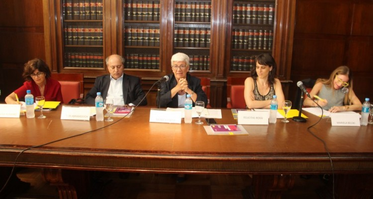 Mariana Romero, Víctor Abramovich, Mónica Pinto, Felicitas Rossi y Mariela Belski