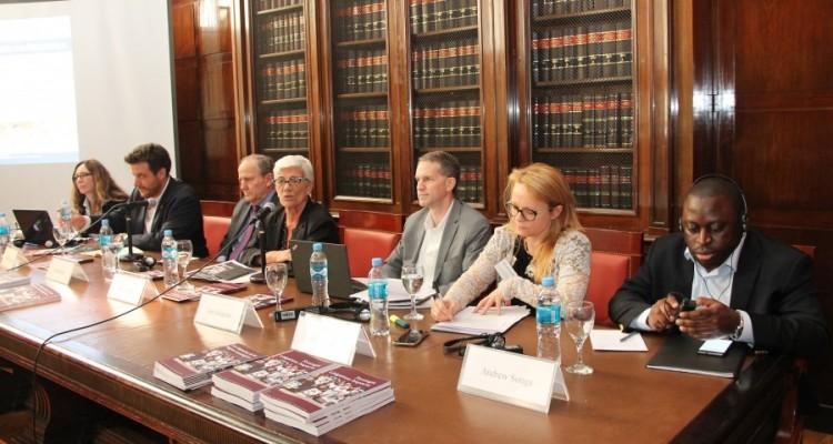 Atatürk Emel Sevimli, Gastón Chillier, Juan Méndez, Mónica Pinto, Jim Goldston, Helen Duffy y Andrew Songa