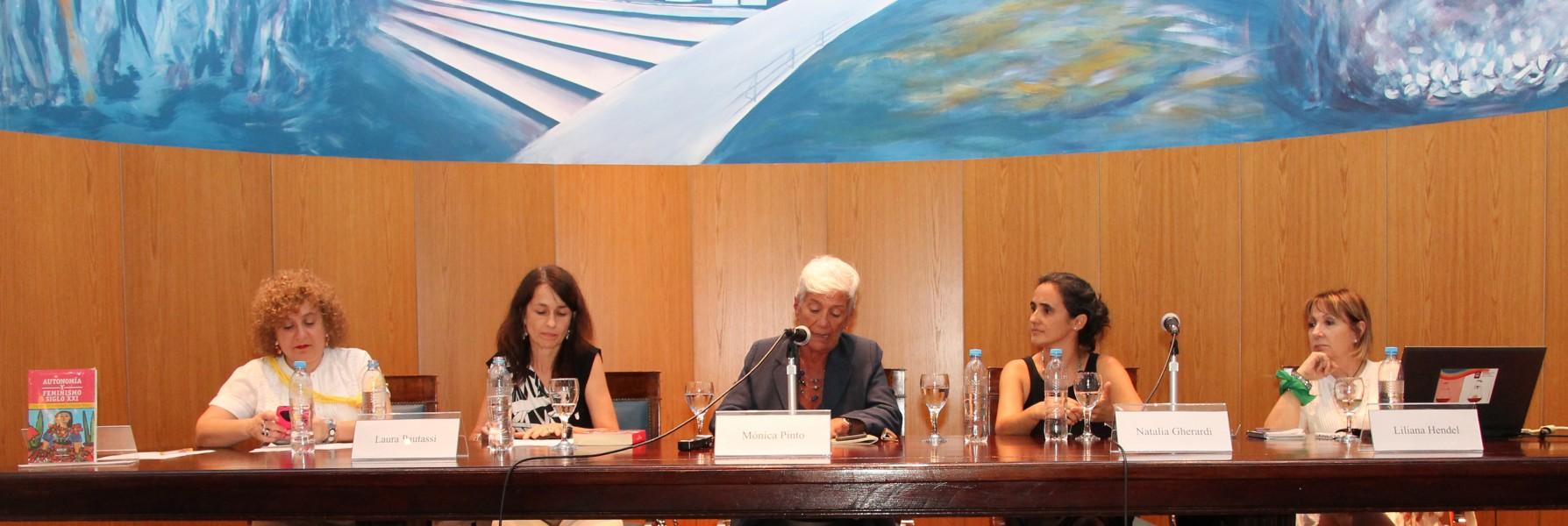 Patricia Gómez, Laura Pautassi, Mónica Pinto, Natalia Gherardi y Liliana Hendel