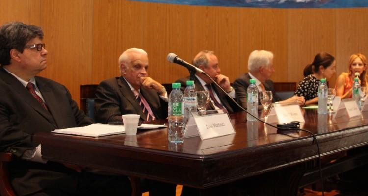 Luis Martínez, Julio C. Rivera, Roque J. Caivano, Claus Von Wobeser, Ana Serra E. Moura y Verónica Sandler