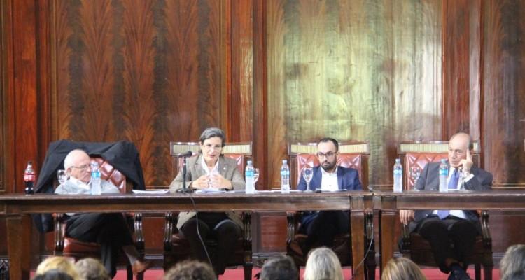 Luis Ohman, Vilma Bisceglia, Esteban Toro Martínez y Raúl E. Zaffaroni