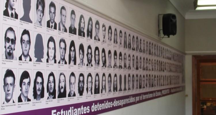 Homenaje a los estudiantes de la Facultad de Derecho detenidos-desaparecidos a 42 años del golpe de Estado