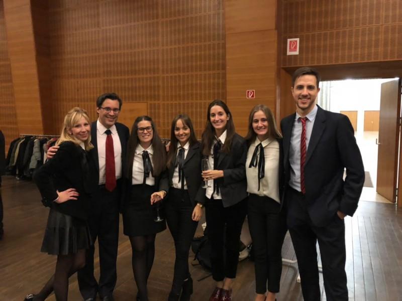 Verónica Sandler, Julio Rivera, Laura Zinnerman, Lucia del Valle, Rosario Galardi, Celina Urabayen y Pablo Jaroslavsky