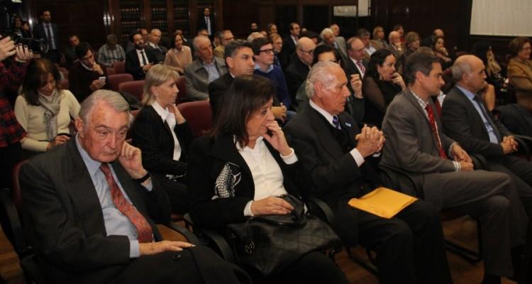 La Universidad de Buenos Aires distinguió a Antonio María Hernández con el diploma de profesor honorario