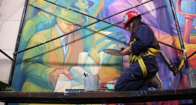 Muestra fotográfica de la Oficina de Comunicaciones del proceso de realización del mural del Centenario de la Reforma Universitaria