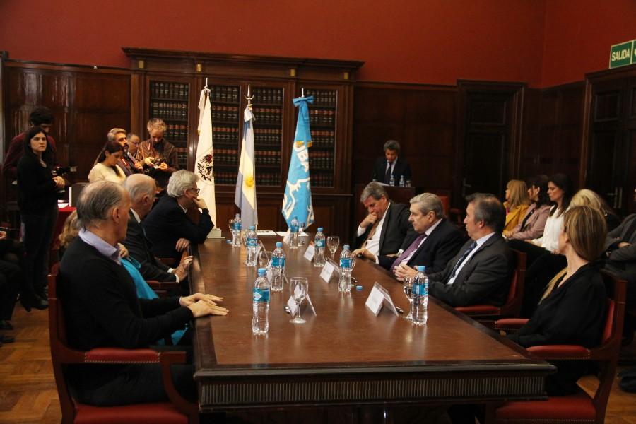 La Facultad firmó una carta compromiso junto a representantes de distintos organismos estatales para conformar la Red de Prestadores Jurídicos de la Ciudad Autónoma de Buenos Aires