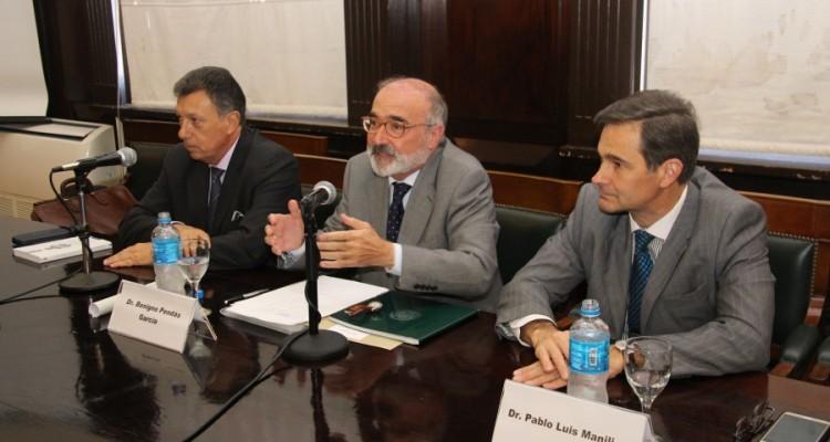 Alberto Dalla Via, Benigno Pendás García y Pablo L. Manili