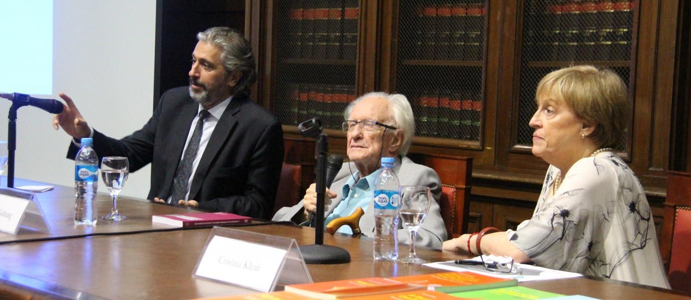 Juan Pablo Mas Velez, Johan Galtung y María Cristina Klein