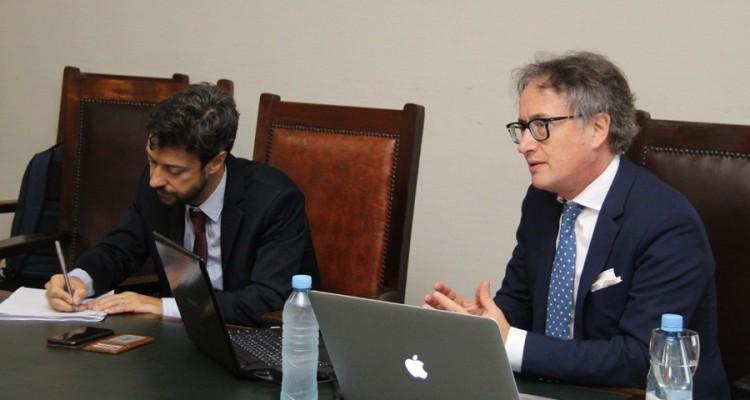 Ciclo de charlas del profesor Carlos Espósito