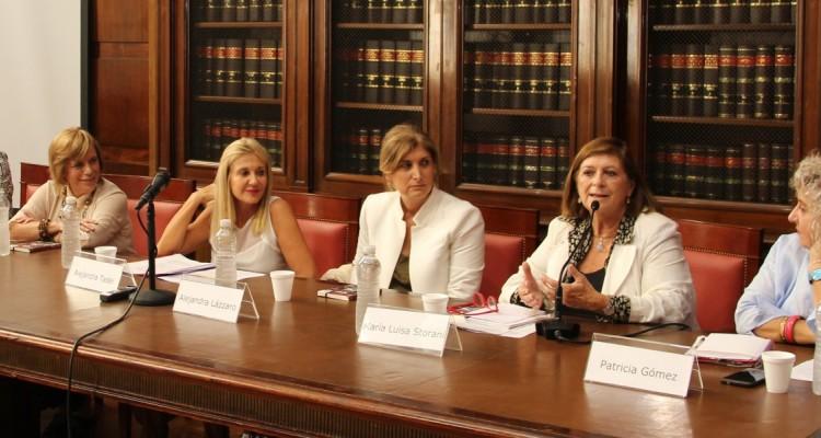 Silvana Mondino, Susana Campari, Alejandra Tadei, Alejandra Lázzaro, María Luisa Storani y Patricia Gómez