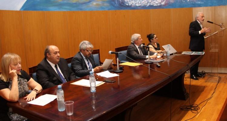 """El profesor Jorge Berebere Delgado durante su ponencia en el panel """"Enseñanza del Derecho y violencia doméstica""""."""