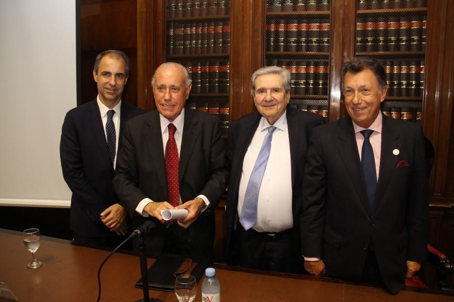 Mariano Genovesi, Jorge R. Vanossi, Alberto Bueres y Alberto R. Dalla Via