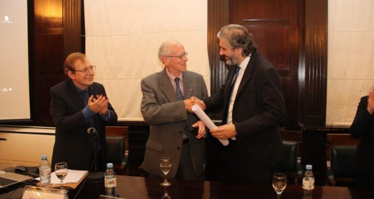 Entrega del doctorado honoris causa de la UBA al profesor Michel Prieur
