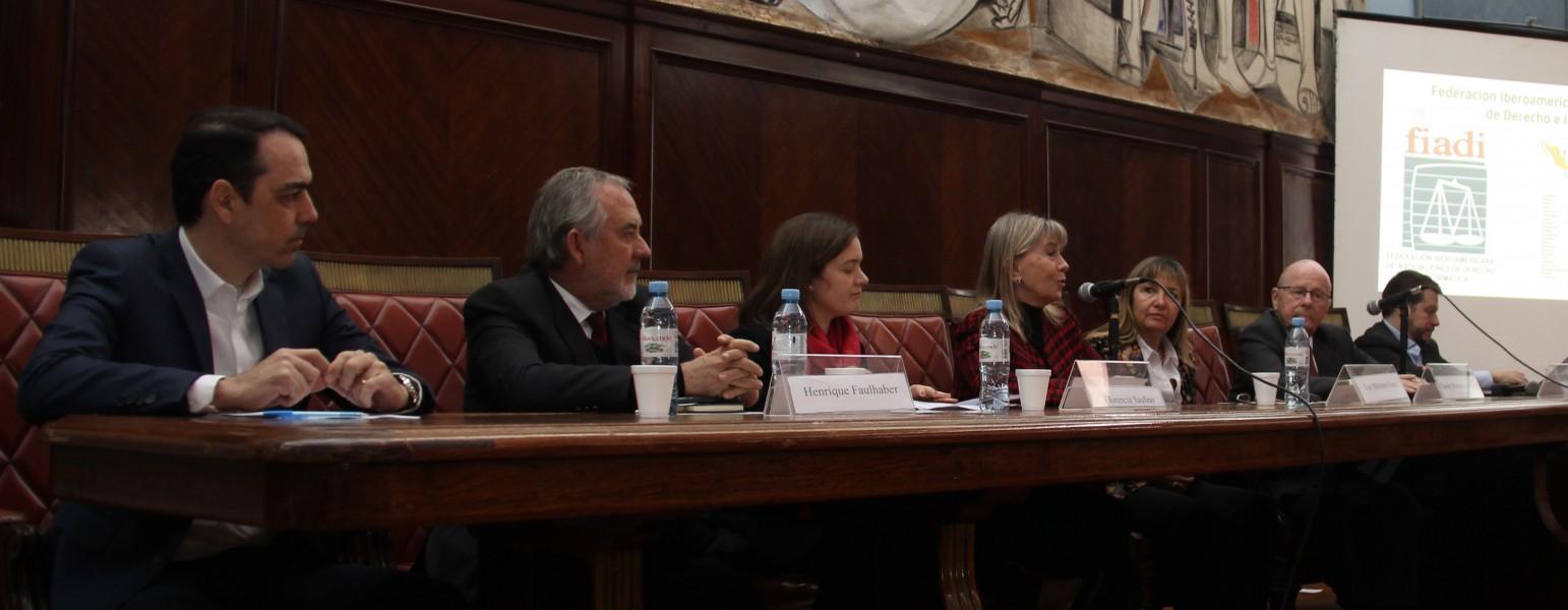 Humberto Filho, Henrique Faulhaber, Florencia Saulino, Silvia Nonna, Luz Bibiana Clara, Daniel Ricardo Altmark y Pedro Less