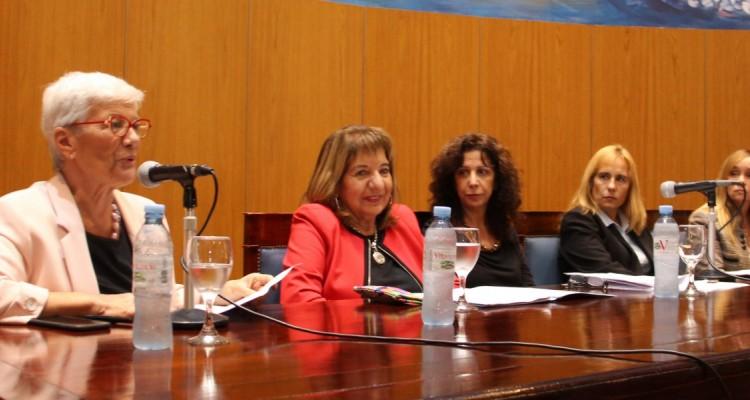 Mónica Pinto, María del Carmen Falbo, Laura Cuñarro, Silvia La Ruffa y María Pía Leiro