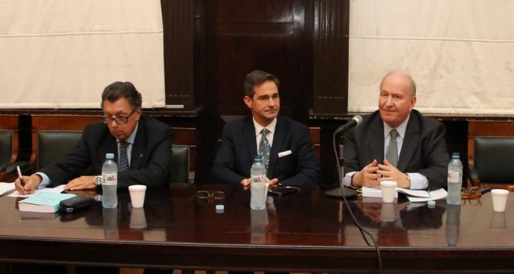 Alberto R. Dalla Vía, Pablo L. Manili y Daniel A. Sabsay