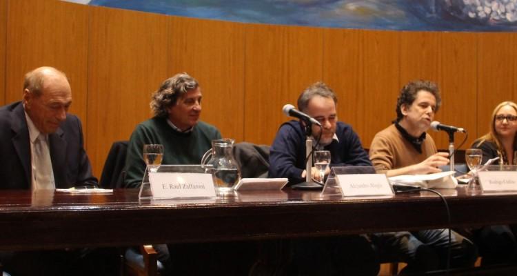 Raúl Zaffaroni, Alejandro Alagia, Rodrigo Codino, Andrés Calamaro y Gabriela Gusis
