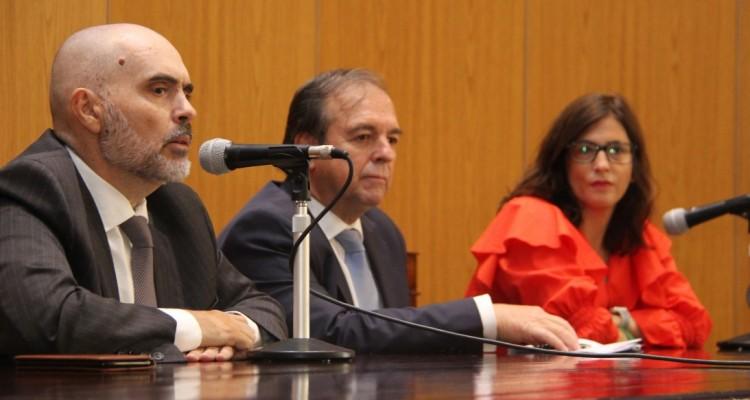 Eduardo Bertoni, Marcelo Gebhardt y Eugenia Braguinsky