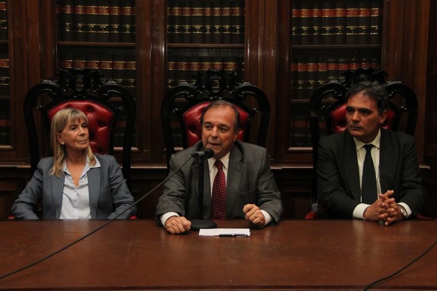 Silvia Nonna, Marcelo Gebhardt y Juan A. Seda