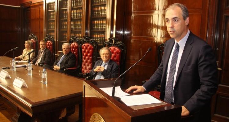 Mariano Genovesi, quien tuvo a su cargo la laudatio académica.
