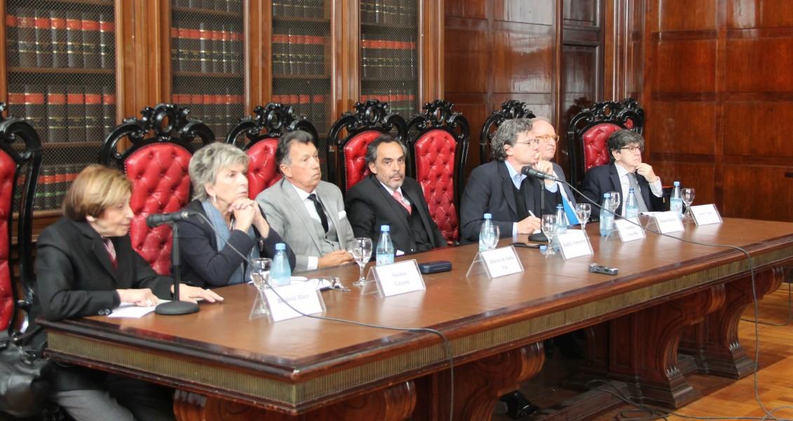 Beatriz Alice, Susana Cayuso, Alberto R. Dalla Via, Raúl Gustavo Ferreyra, Roberto Gargarella, Daniel Sabsay y Juan Vicente Sola