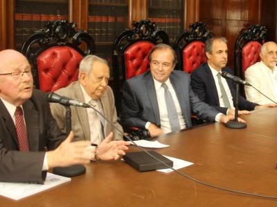 Daniel R. Altmark, Salvador Darío Bergel, Marcelo Gebhardt, Mariano Genovesi y Eduardo Molina Quiroga