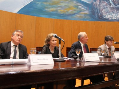 Douglas Elespe, Inés Weinberg, Merritt Fox y Juan Vicente Sola