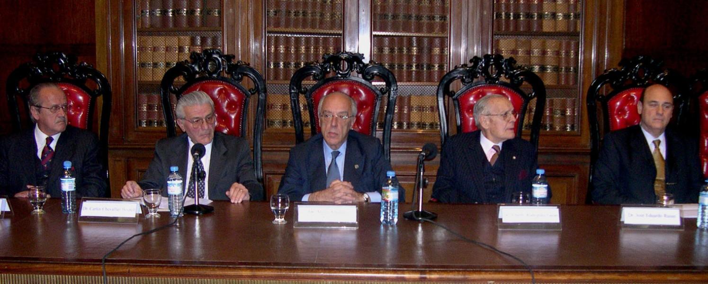 Santos Cifuentes, Carlos Chevallier Boutell, Atilio Alterini, Alberto Rodríguez Galán y José Eduardo Russo